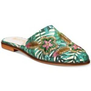 Mules, stylish flats, comfy shoes, comfy flats